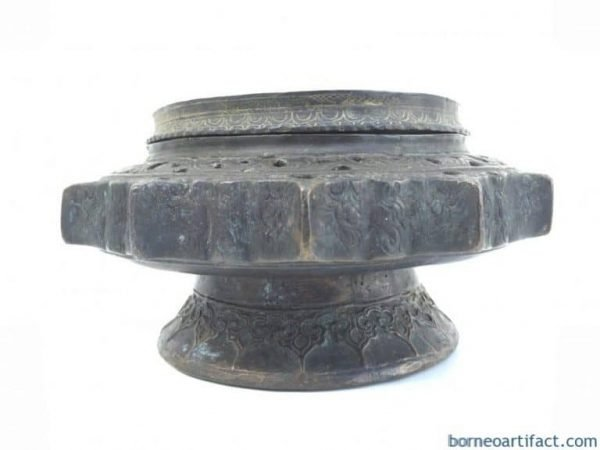 Antique Brunei LENGGUAI BRASS CONTAINER Betel Nut Dayak Heirloom Jewelry Bowl