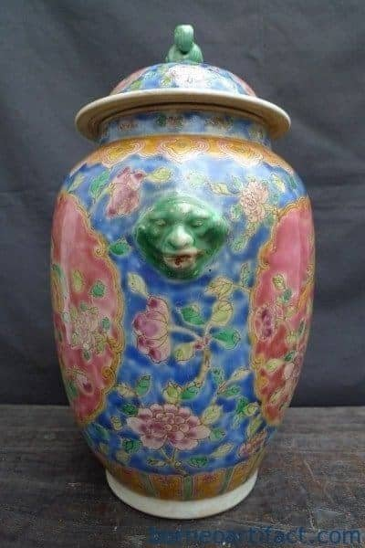 TALL COVERED JAR Kamcheng Style Nonya Nyonya Porcelain Pot Vase Pottery Asia