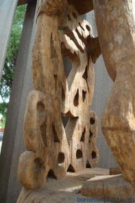 KORWARCROWNSTATUEmmWOODOceanicArtSculptureGardenPoolPubRestaurant