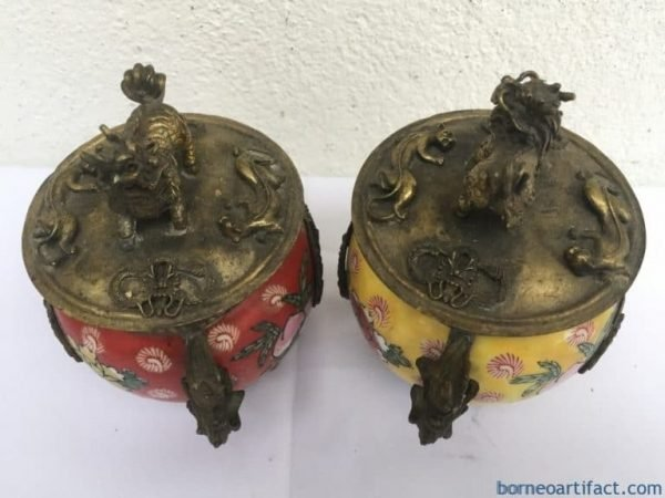 ONE PAIR BUDDHIST Feng Shui Box Ceramic Brass Dragon Foo Dog Container Chamber