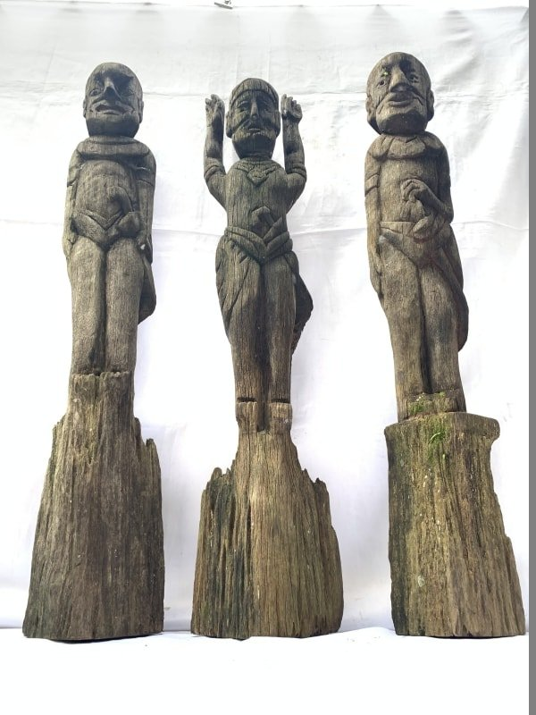 THREE WEATHERED DAYAK GUARDIAN STATUE SCULPTURE Antique Artifact Figure Icon