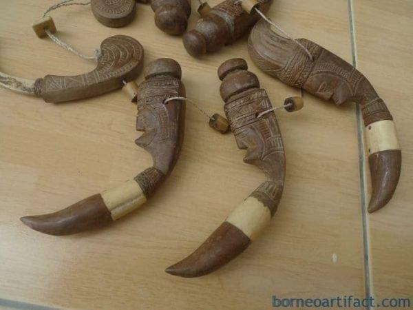 RARE TORA TORA NECKLACE TORAJA Tribal Jewelry Wood & Bone Pendant Body Ornament