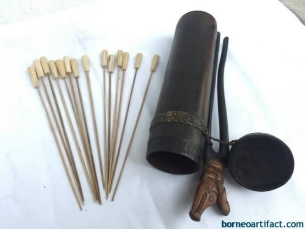 OLD BLOWPIPE QUIVER